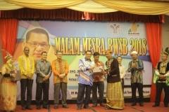 Majlis Malam Mesra BWSB 2018 - Penyampaian Hadiah Kepada Best Costume of The Night (MAN)